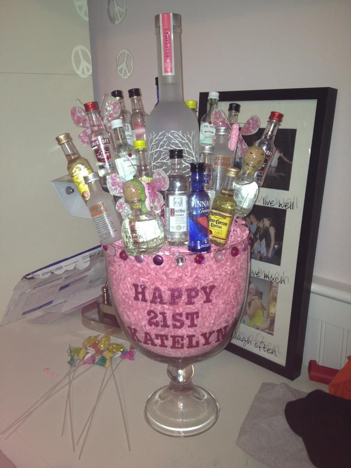 21St Birthday Gifts  25 best ideas about Mini alcohol bouquet on Pinterest