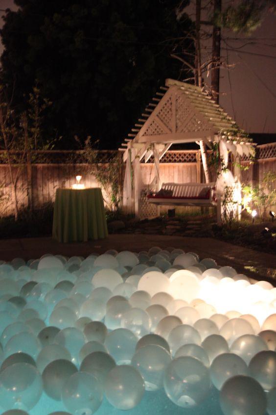 All White Pool Party Ideas  Casamento sem Segredo Decoração para Festa de Casamento na
