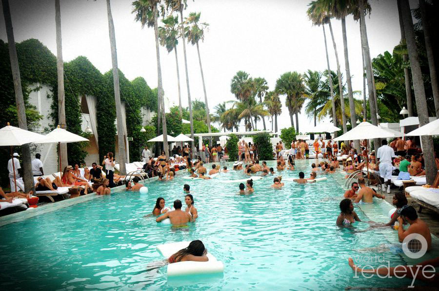 All White Pool Party Ideas  Vues The All White Pool Rooftop Party & Fashion Show