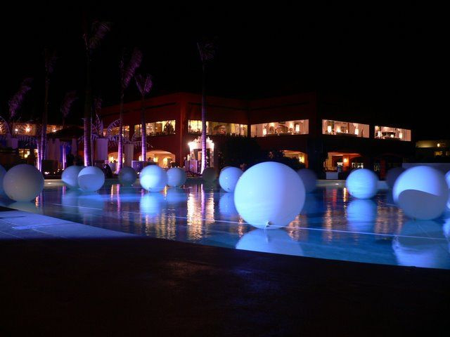 All White Pool Party Ideas  White party idea white balloons in pool