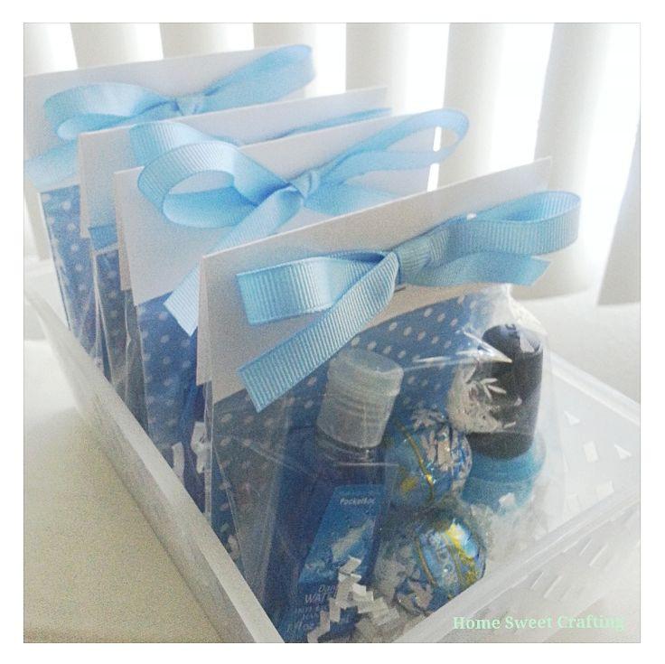Baby Shower Door Prize Gift Ideas  Best 25 Diy baby shower favors ideas on Pinterest