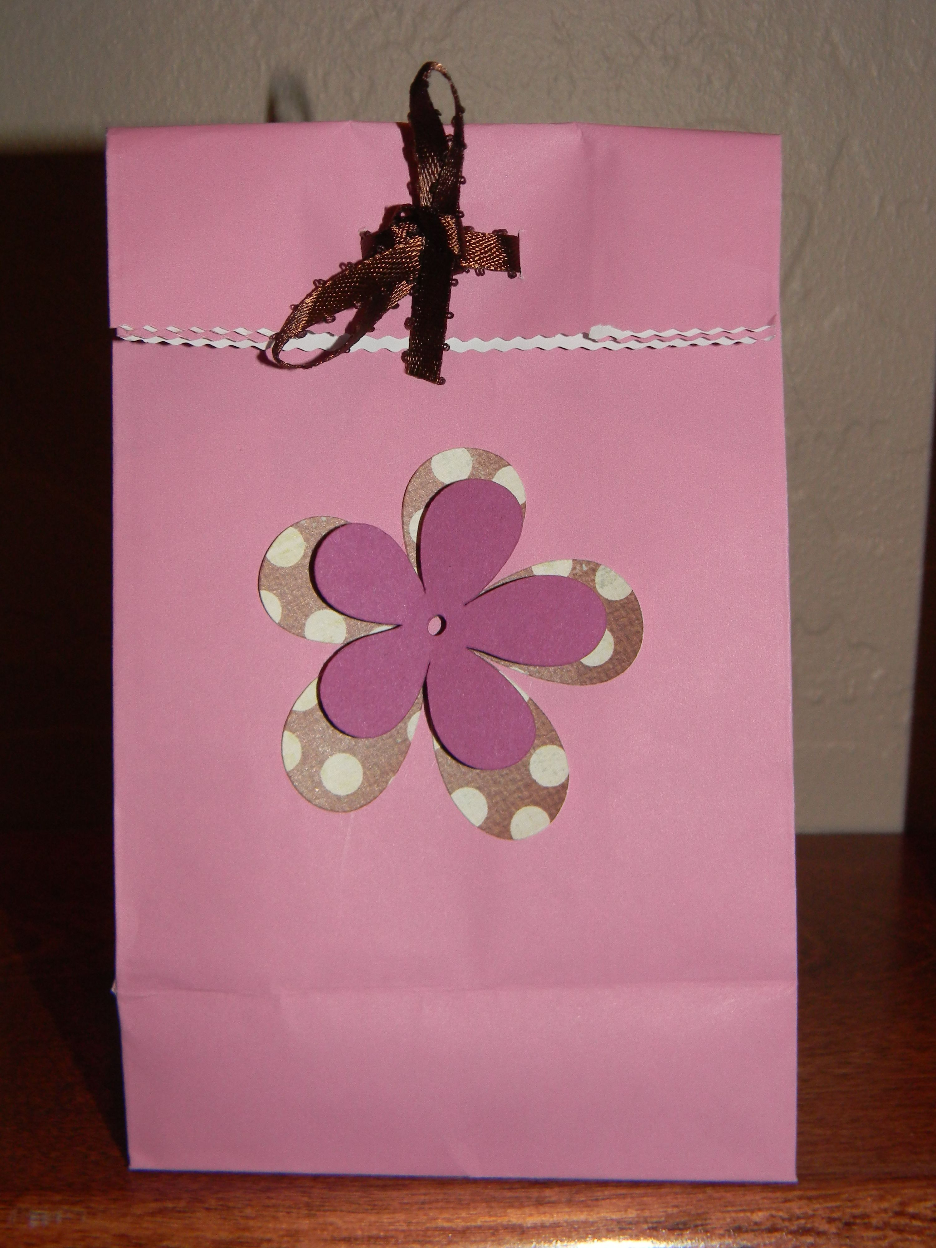 Baby Shower Gift Bags For Guests Ideas  t bags for guest at baby shower Party ideas