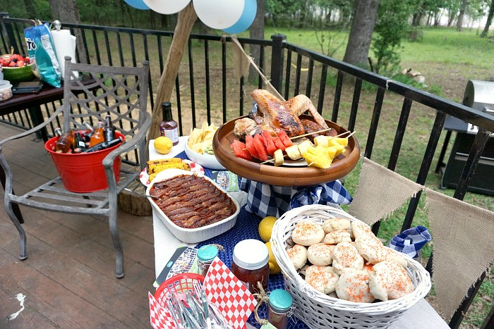 Backyard Bbq Party Decorating Ideas  How to Throw a Backyard BBQ Party To her Fast & a