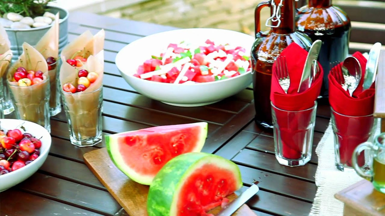 Backyard Bbq Party Ideas  How to Creatively Decorate a Backyard Barbeque with