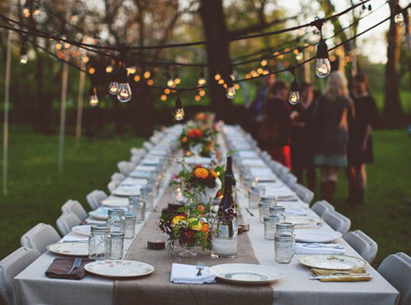 Backyard Dinner Party Ideas  We Heart Outdoor Dinner Parties B Lovely Events