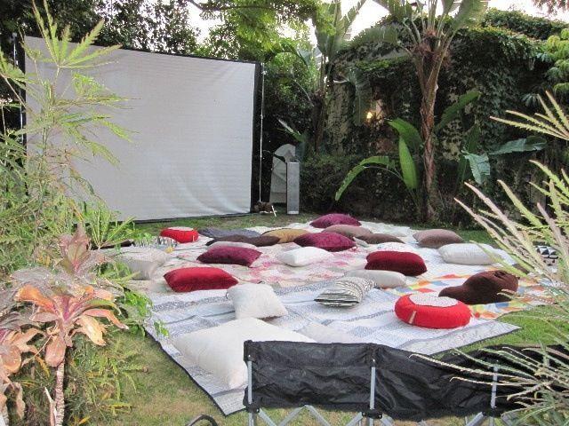 Backyard Movie Party Ideas  Best 25 Outdoor movie nights ideas on Pinterest