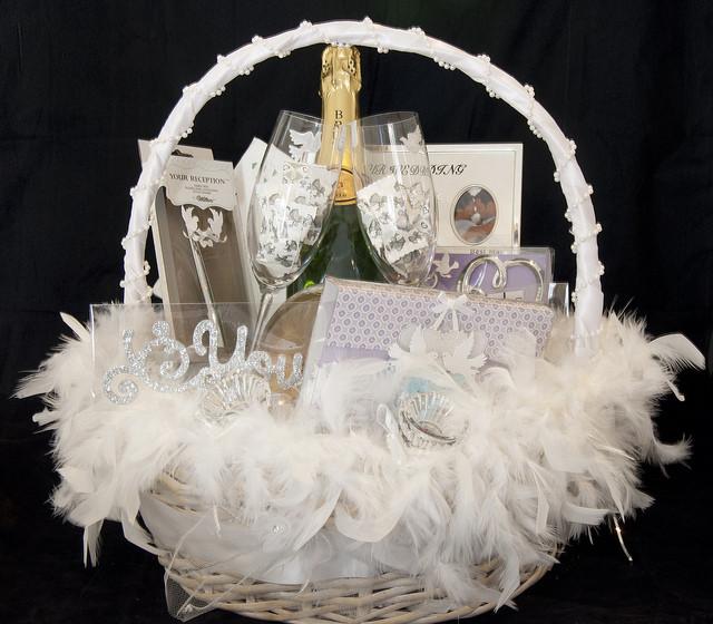 Bridal Gift Basket Ideas  20 WONDERFUL WEDDING GIFT IDEAS – UberLyfe