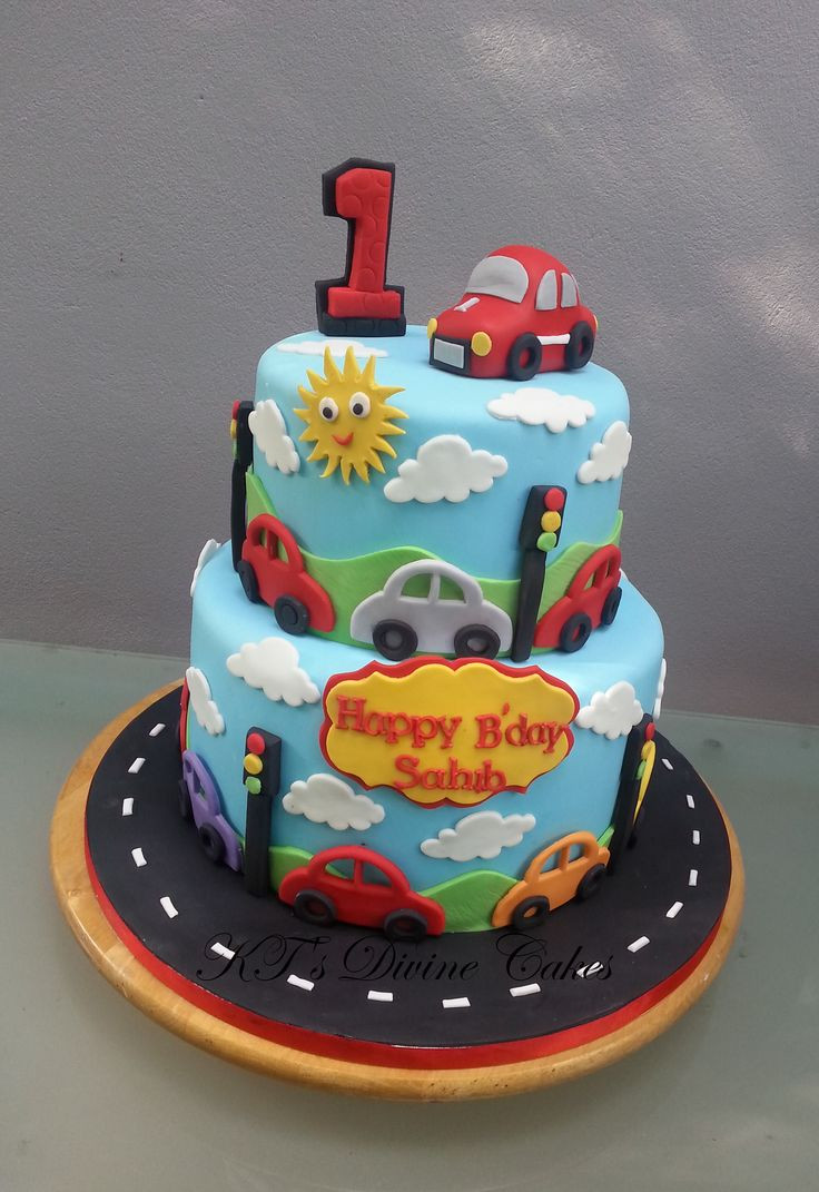 Cars Birthday Cake Ideas  Best 25 Car cakes ideas on Pinterest