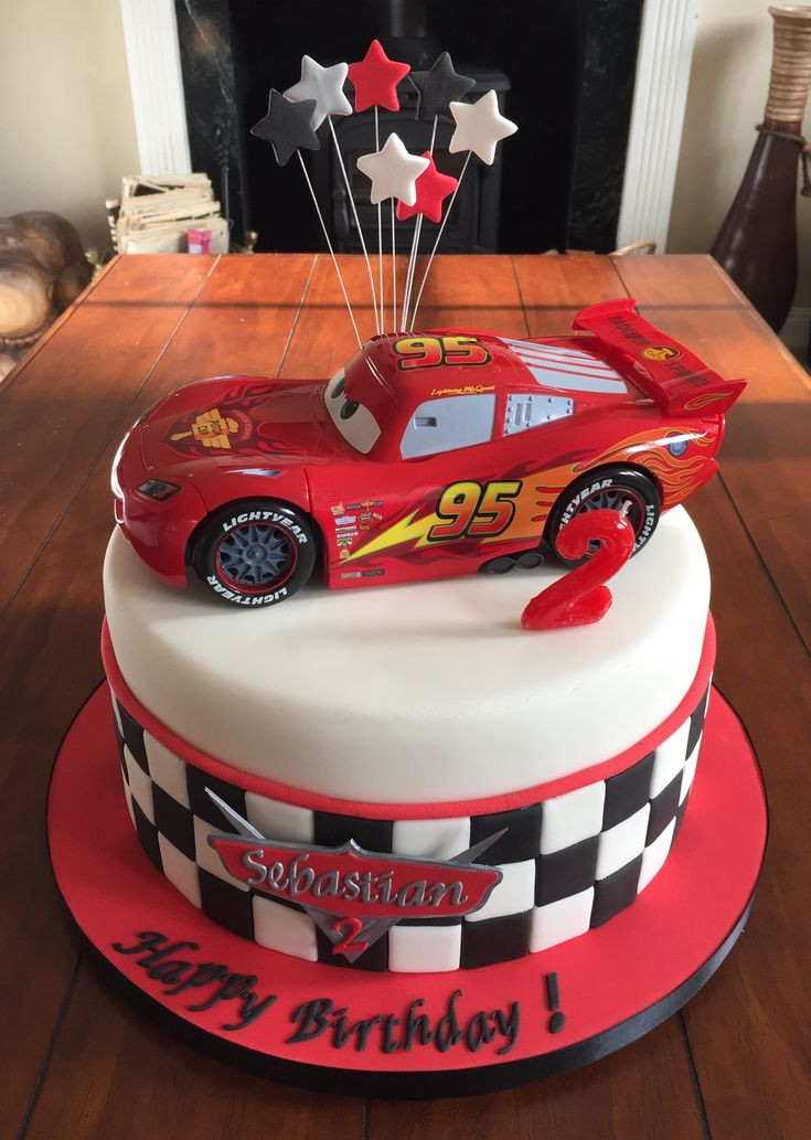 Cars Birthday Cake Ideas  Best 25 Mcqueen cake ideas on Pinterest