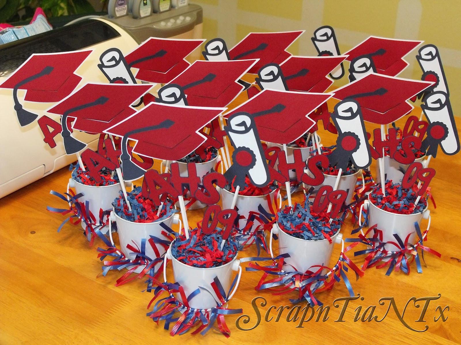 Centerpiece Ideas For Graduation Party  Graduation Centerpieces