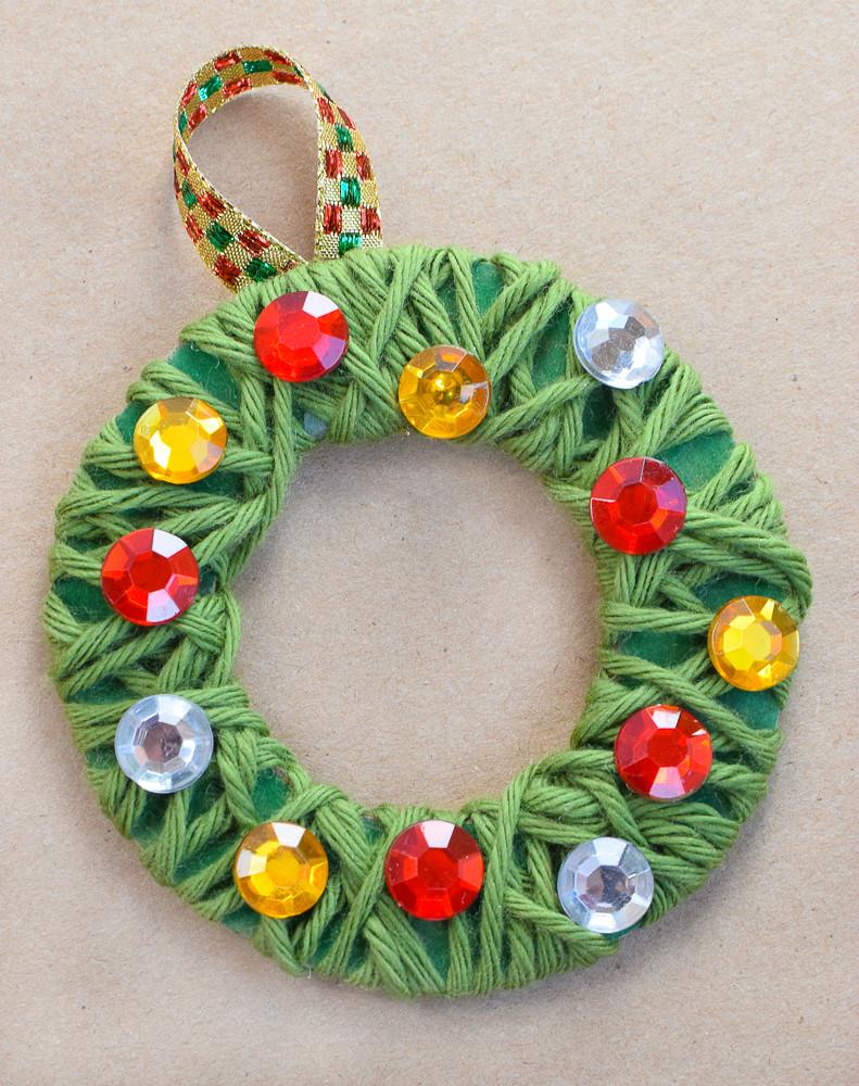 Christmas Craft Ideas For Preschoolers  Yarn Wrapped Christmas Wreath Ornaments