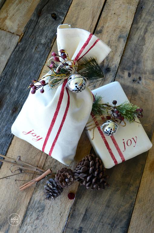 Christmas Gift Wrap Ideas  A Glimpse Inside MHCT&M Fabulous & Inexpensive Christmas