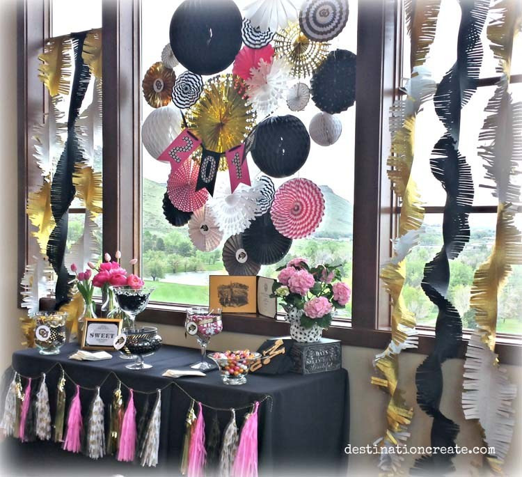College Graduation Party Ideas For Adults  Party Favor Tables that adults will love