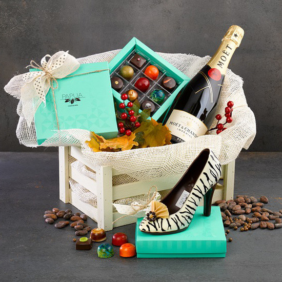 Couples Gift Basket Ideas  25 Christmas Gift Basket Ideas to Put To her