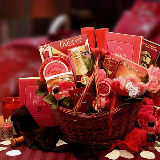 Couples Gift Basket Ideas  Heart to Heart Couples Romance Gift Basket