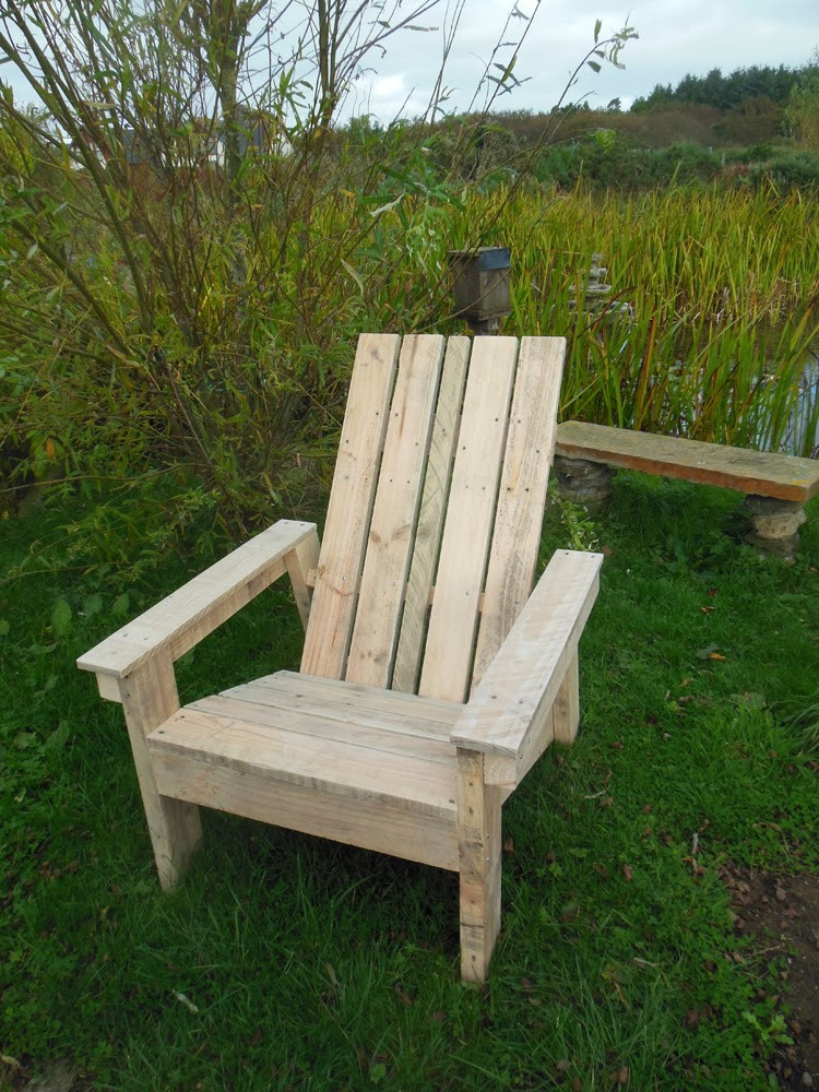 DIY Adirondack Chairs Plans  Coach House Crafting on a bud DIY Adirondack chair