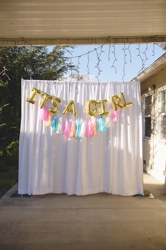 DIY Baby Shower Backdrop  Best 25 Unicorn baby shower ideas on Pinterest
