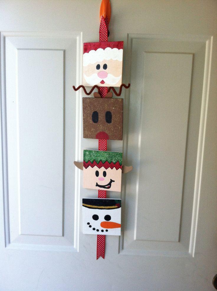 DIY Christmas Door Decoration  1050 best Christmas Crafts images on Pinterest