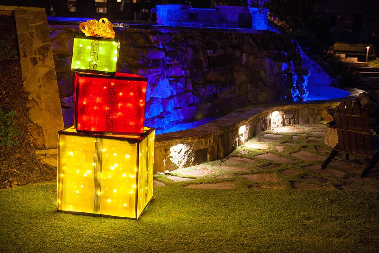 DIY Christmas Light Show  Wood Frame DIY Lighted Christmas Present
