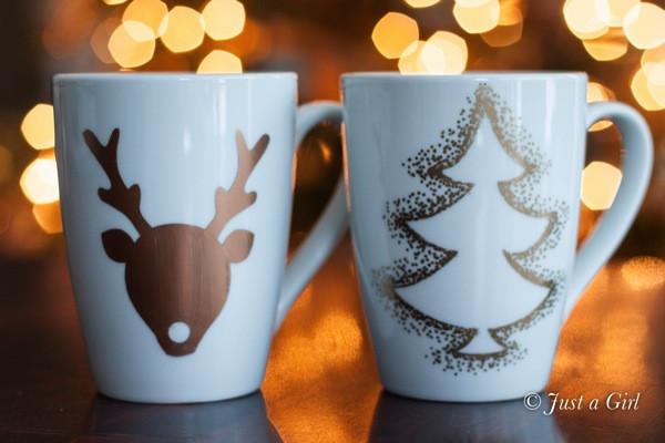 DIY Christmas Mug  20 Awesome Christmas Present Ideas for your Mom