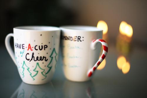 DIY Christmas Mug  thesorrygirls DIY Sharpie Christmas Mugs