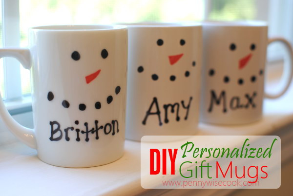 DIY Christmas Mug  20 Awesome DIY Christmas Gift Ideas & Tutorials