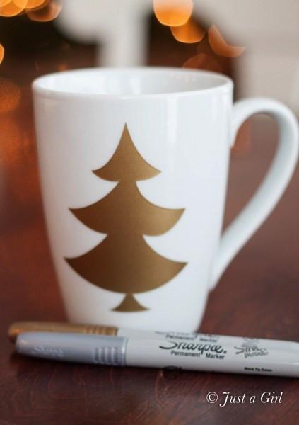 DIY Christmas Mug  Happy Holidays Gift Idea DIY Christmas Mugs Tatertots