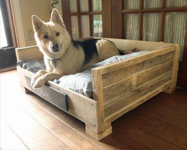 DIY Doggie Bed  8 DIY Pallet Beds For Dogs