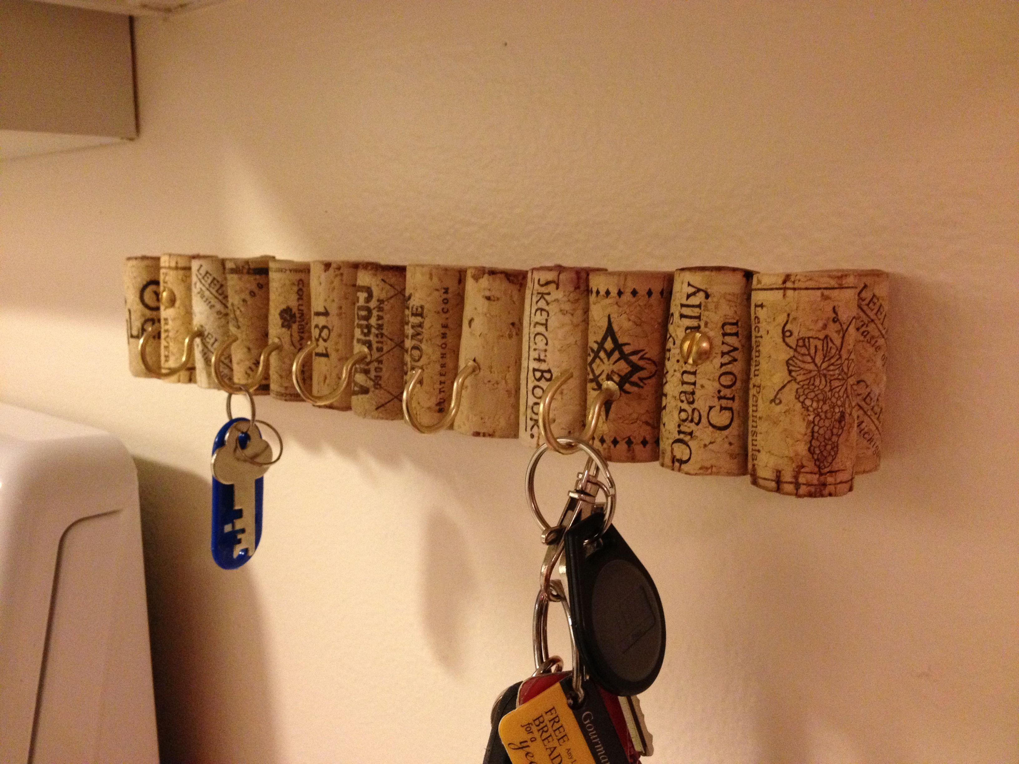 DIY Key Rack  DIY recycled corks key rack