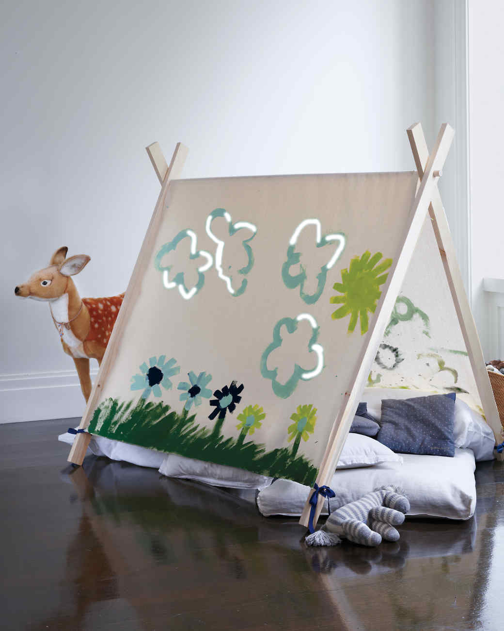 DIY Kids Tent  Host a Slumber Party That s Anything but a Snooze