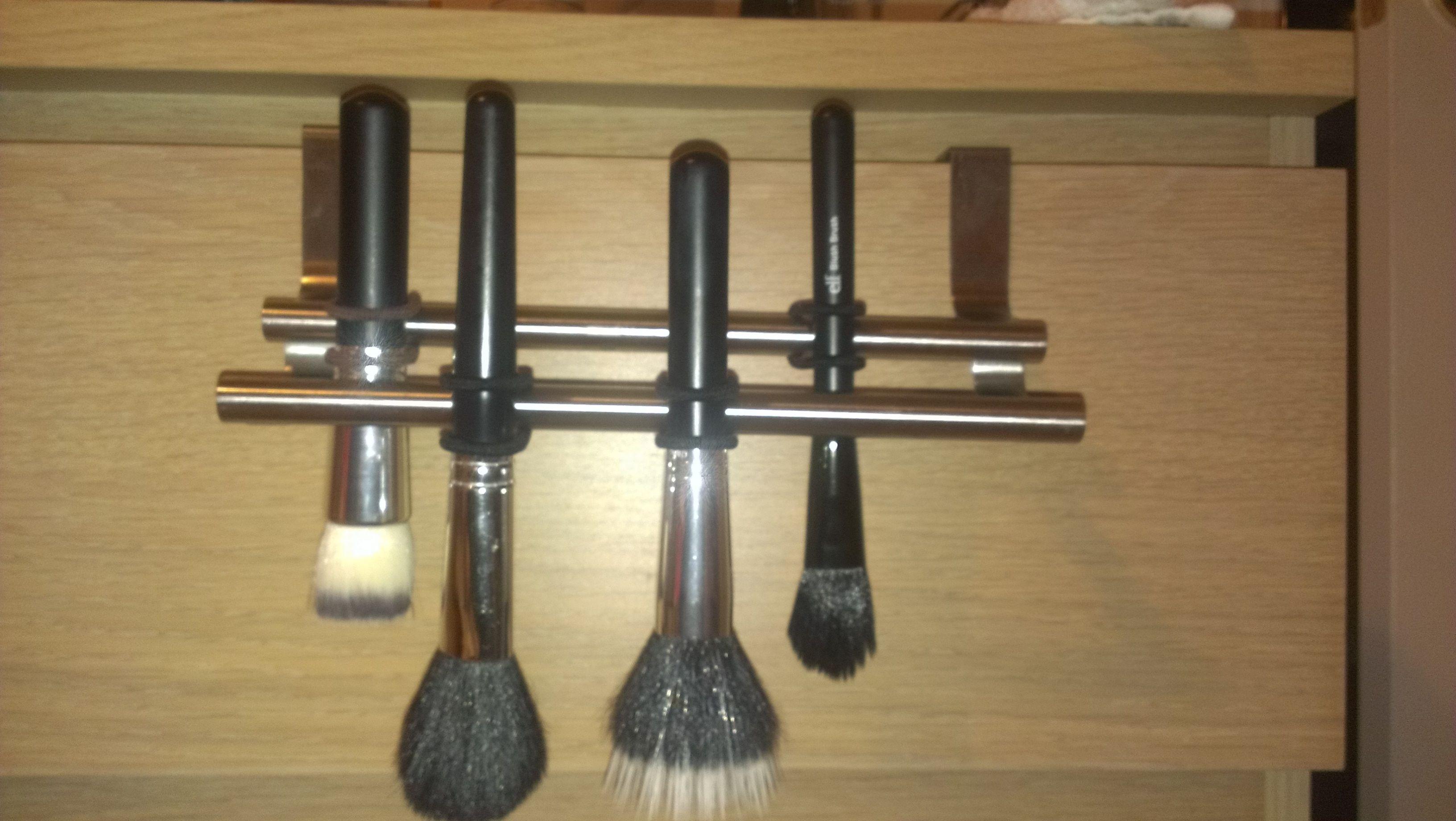 DIY Makeup Brush Drying Rack  diy makeup brush drying rack diy