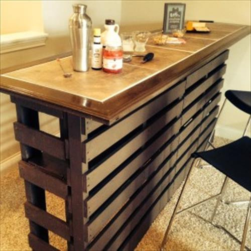 DIY Pallet Bar Plans  Beautiful DIY Pallet Indoor Bar And Wine Rack
