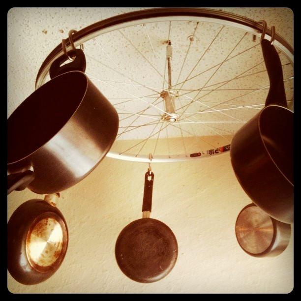 DIY Pots And Pans Rack  DIY kitchen bicycle wheel pot rack – HIPPIE EATS