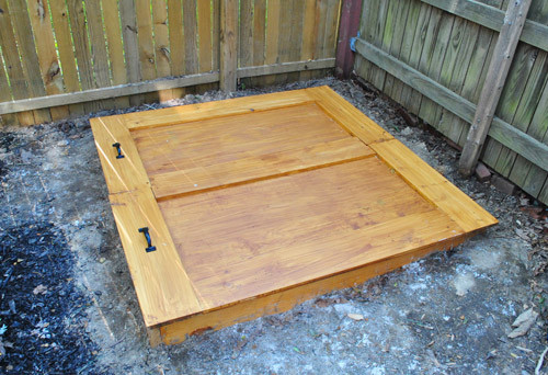 DIY Sandbox Cover  Do It Yourself Sandbox Free Playhouse Castle Plans Wood