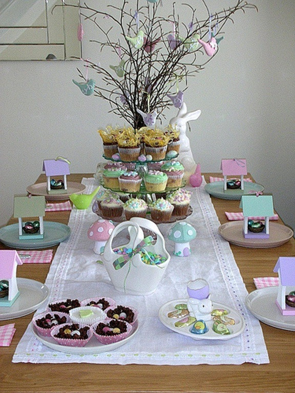 Easter Party Centerpiece Ideas  28 Easy DIY Tablescapes for Easter