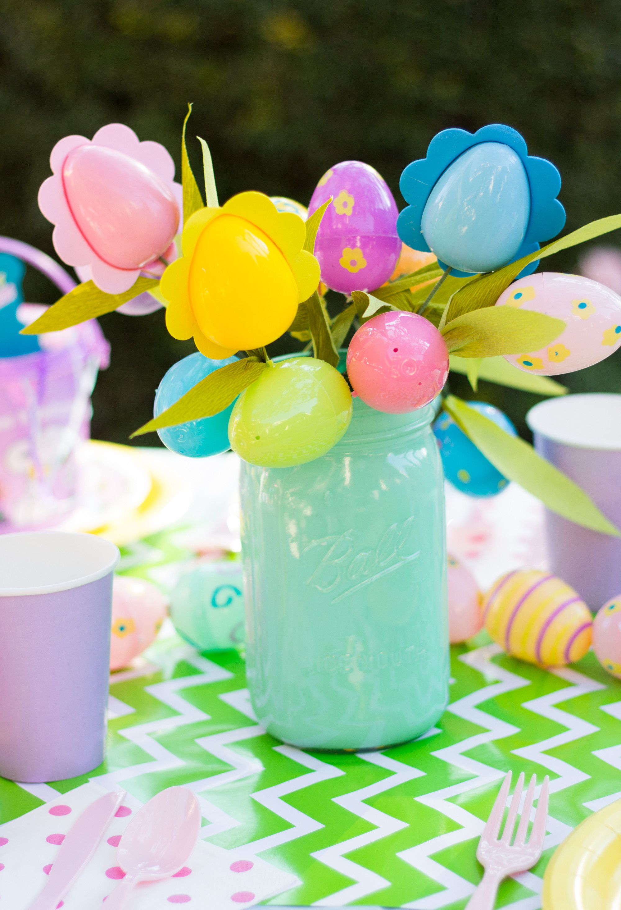 Easter Party Centerpiece Ideas  Peanuts Themed Easter Party Idea