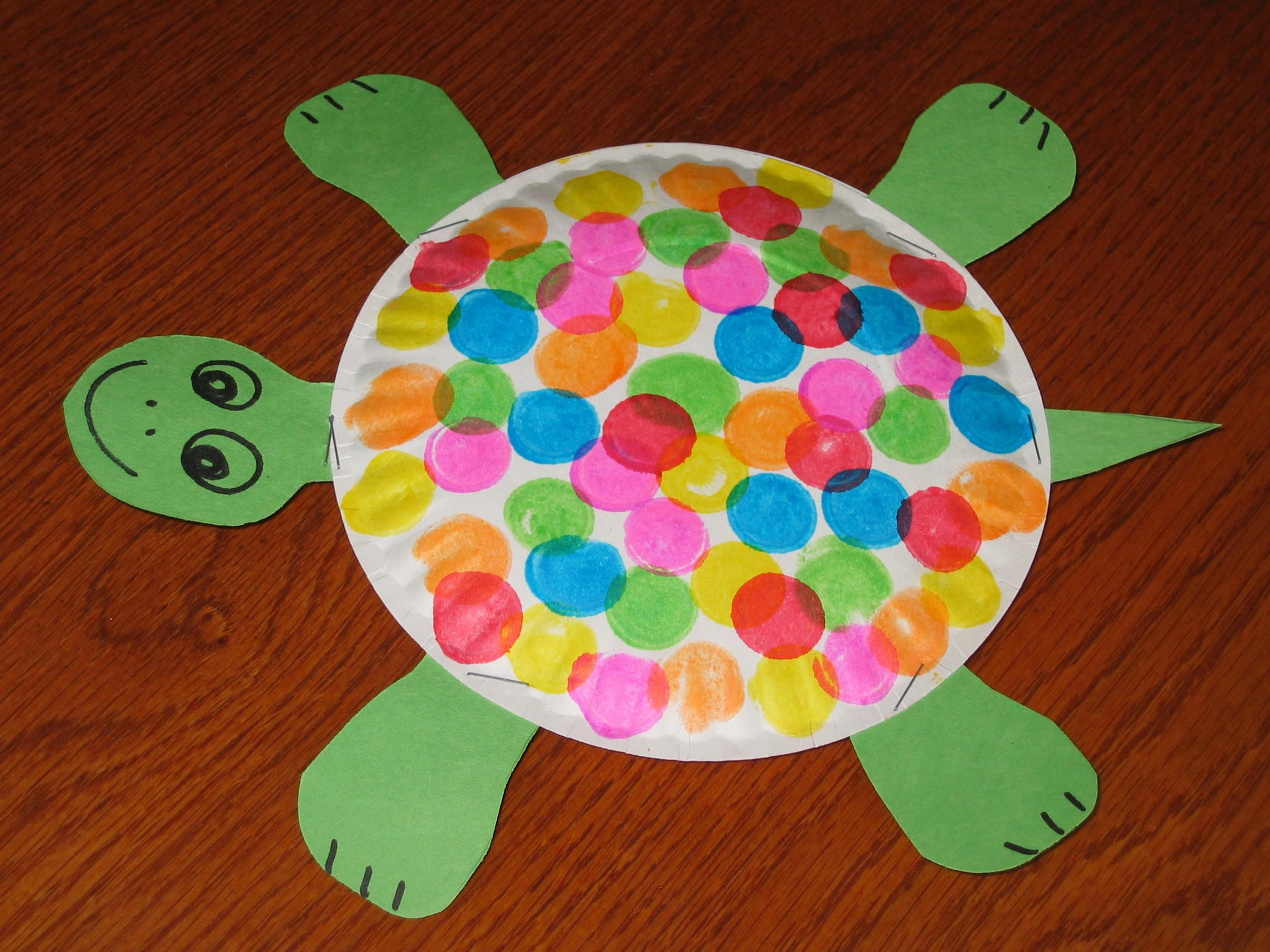 Easy Art Activities Preschoolers  40 Fun and Fantastic Paper Plate Crafts