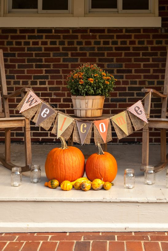 Fall Backyard Party Ideas  3 Stylish Outdoor Fall Parties to Throw Before December