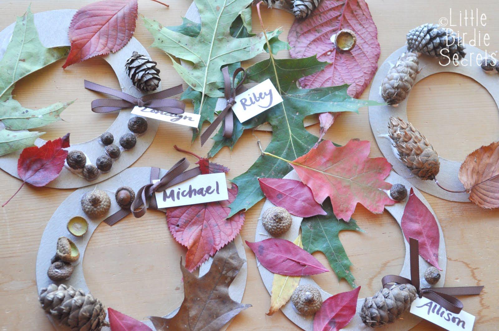 Fall Craft Ideas For Preschool  fall fun for preschoolers autumn wreath and apple cut