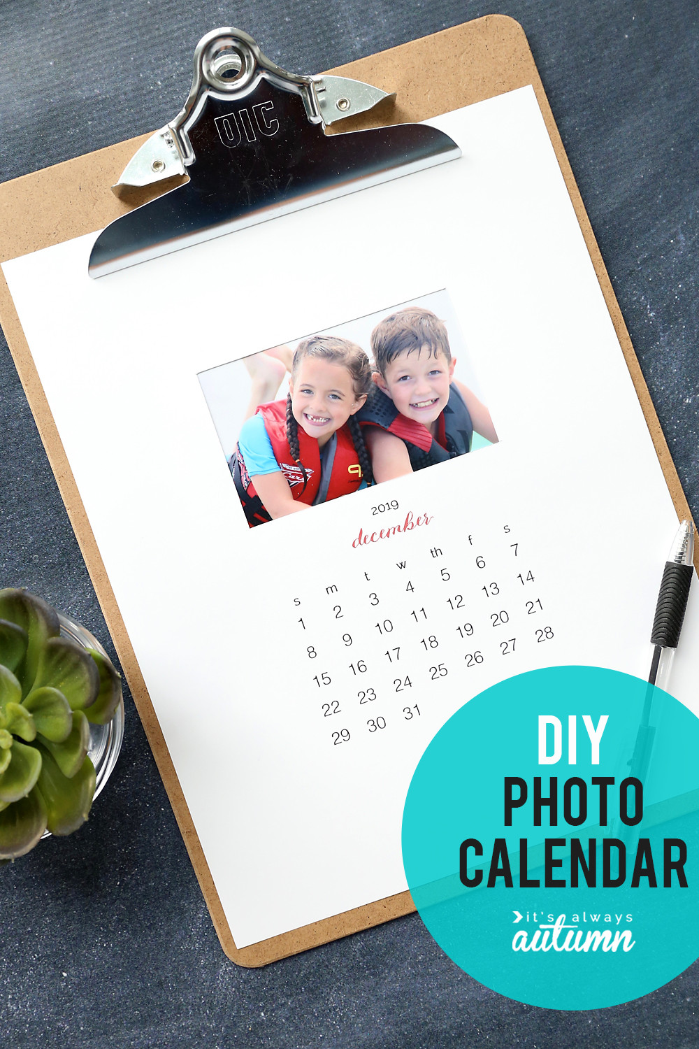 Family Christmas Gift Ideas 2019  Make your own personalized calendar free printable 2019