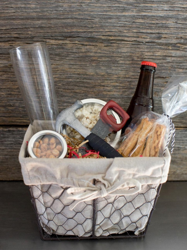 Food Gift Baskets Ideas  Christmas basket ideas – the perfect t for family and
