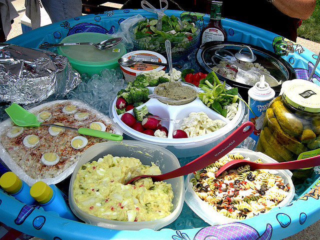Food Ideas For Pool Party  10 Pool Party Ideas to Cool Down Your Summer ZING Blog