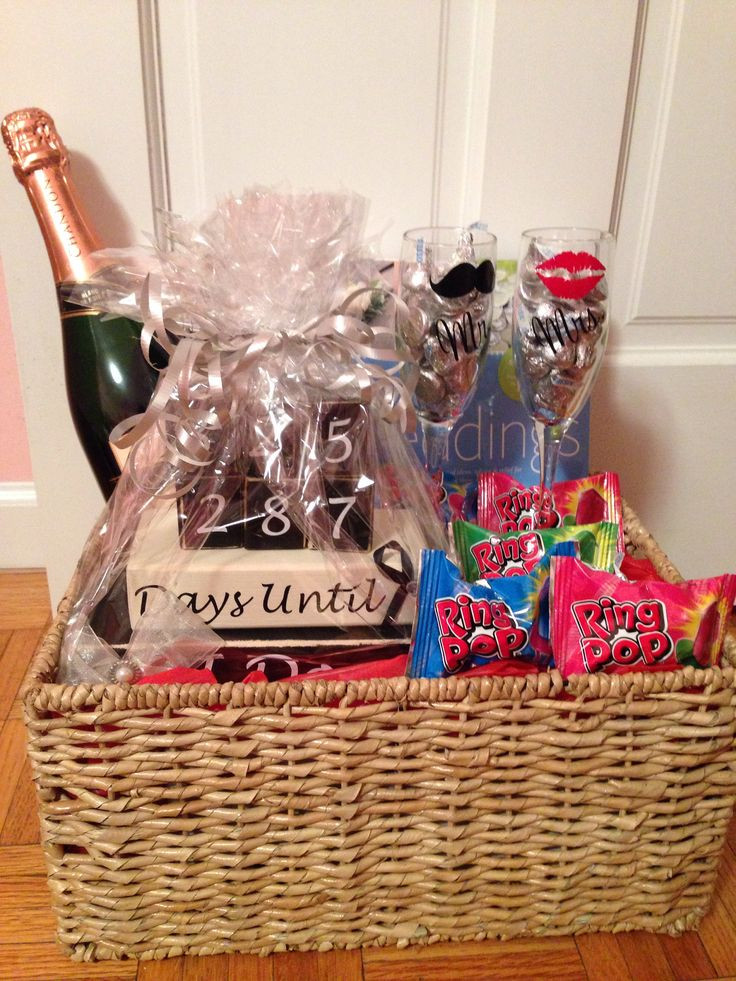 Gift Ideas For Engaged Couples  Best 25 Engagement t baskets ideas on Pinterest