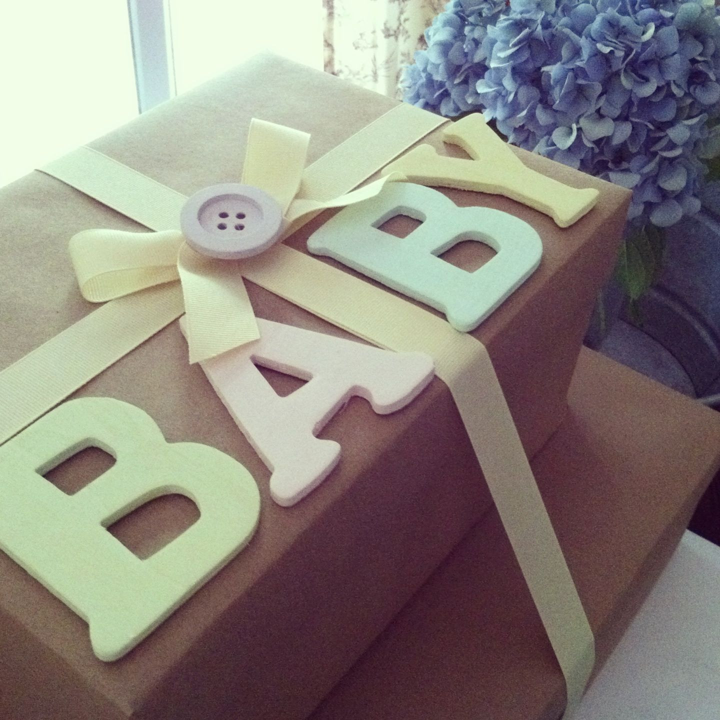 Gift Wrapping Ideas For Baby Showers  Baby Shower t wrapping brownpaper wrapping baby