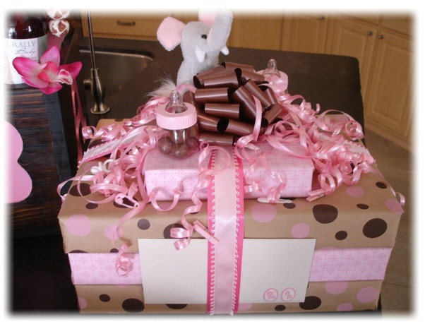 Gift Wrapping Ideas For Baby Showers  What are some good t wrapping ideas for baby showers