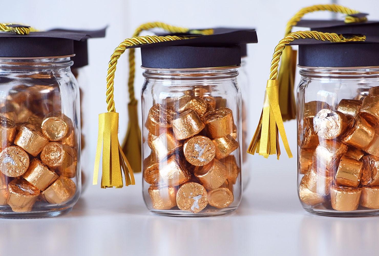 Graduation Party Favor Ideas  7 Easy DIY Graduation Party Ideas
