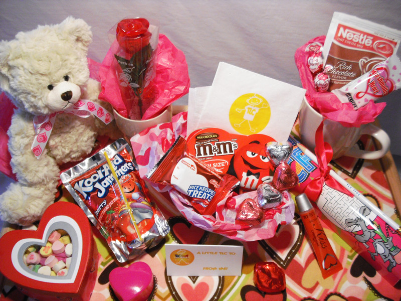 Great Valentines Gift Ideas For Her  Awesome Valentine day ideas for girls – Lifestyles of