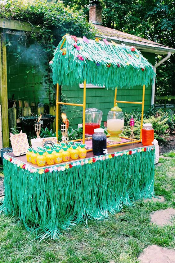 Hawaiian Backyard Party Ideas  31 Colorful Luau Party Decor And Serving Ideas Shelterness