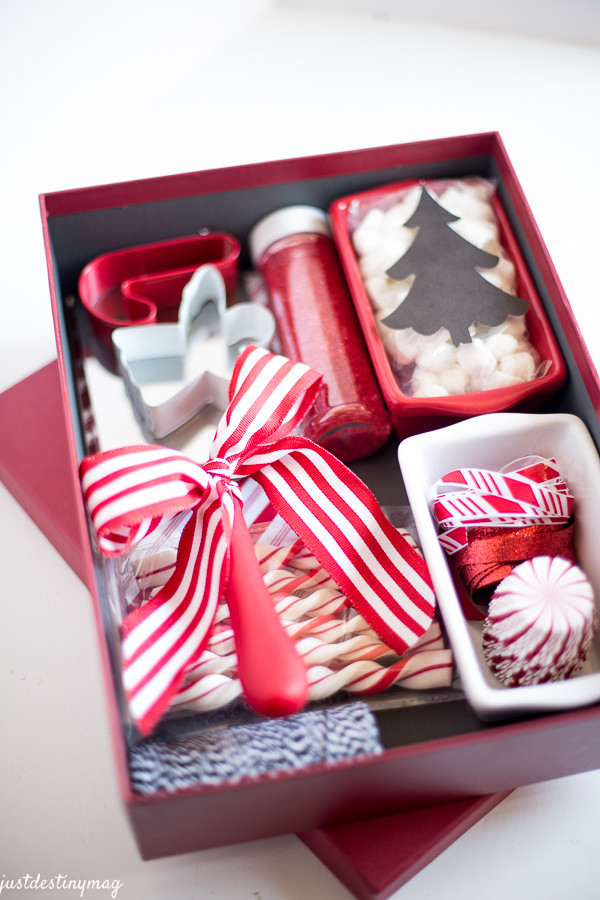 Holiday Gift Ideas For Friends  25 Fun & Simple Gifts for Neighbors this Christmas