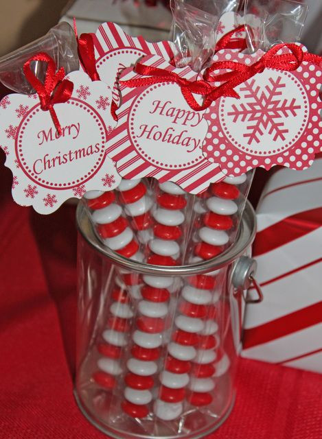 Holiday Party Gift Ideas  Best 25 Christmas party favors ideas on Pinterest